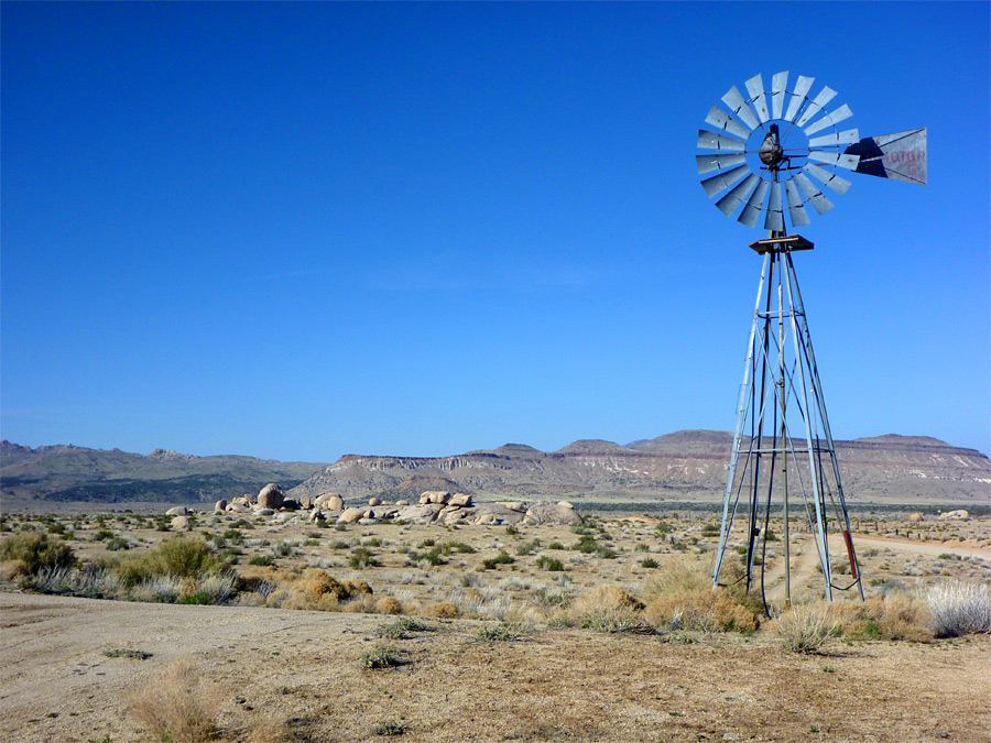water-tower-windmill-mojave