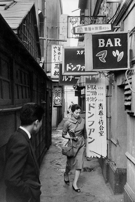 marc-riboud-portfolio-021 Tokyo 1958