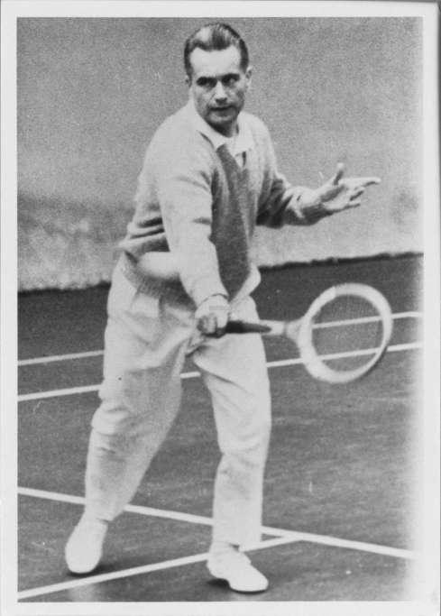 jacques-chaban-delmas-jouait-au-tennis-le-sport-lui-a-ouvert-bien-des-portes